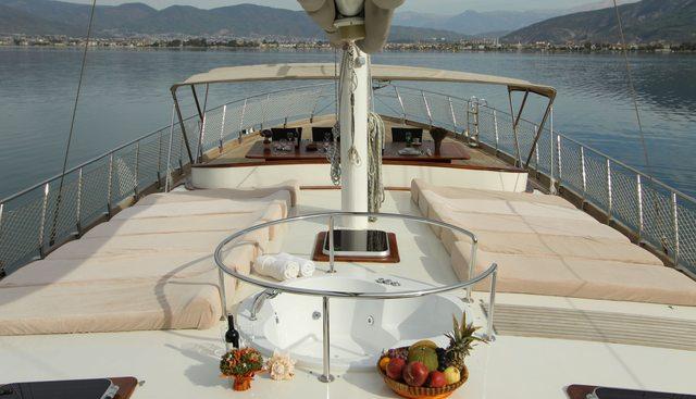 Queen Lila Charter Yacht - 2