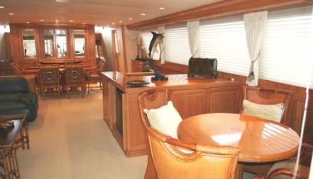 Center Ring Charter Yacht - 2