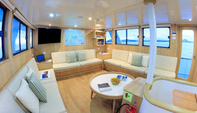 Aqua Charter Yacht - 7
