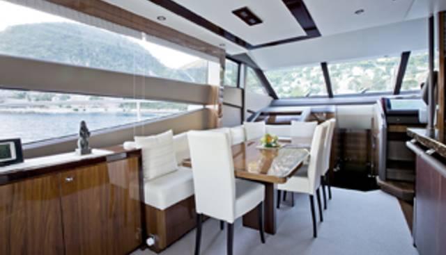 Carte Blanche III Charter Yacht - 8