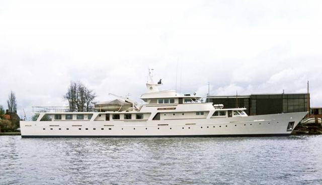 Ruwan Yaru Charter Yacht