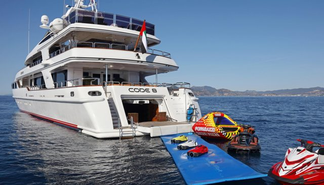 Code 8 Charter Yacht - 5