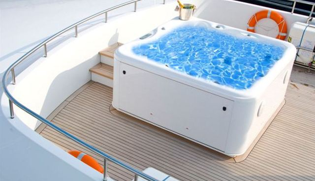 Mr Mouse Charter Yacht - 3