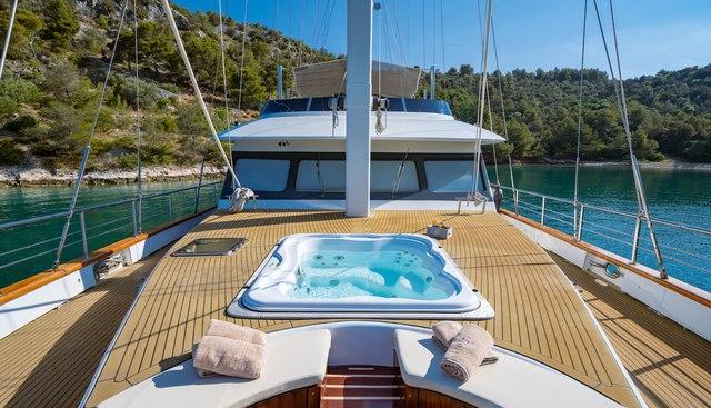 Navilux Charter Yacht - 2