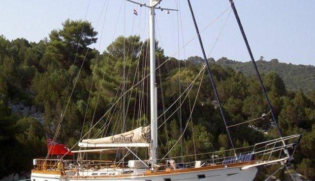 Sweptaway Charter Yacht - 5