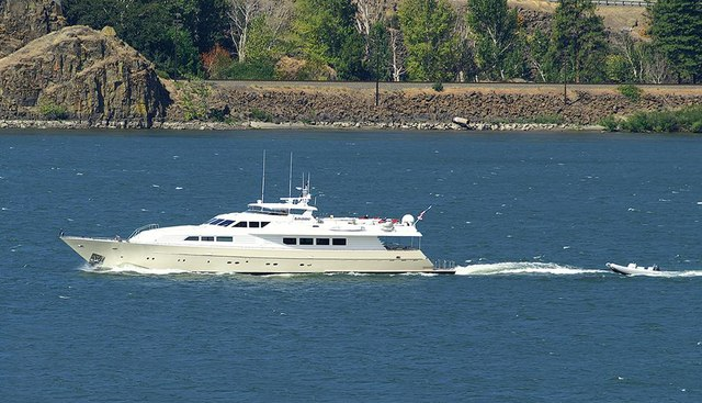 Mac Charter Yacht - 4