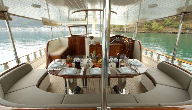 Queen Lila Charter Yacht - 4