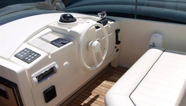 Technema 85 Charter Yacht - 3