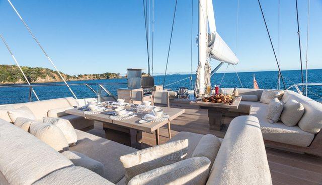 Twizzle Charter Yacht - 3
