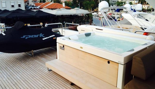 Essenza Charter Yacht - 5