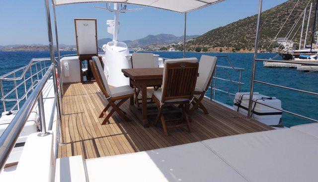 Black Pepper Charter Yacht - 3