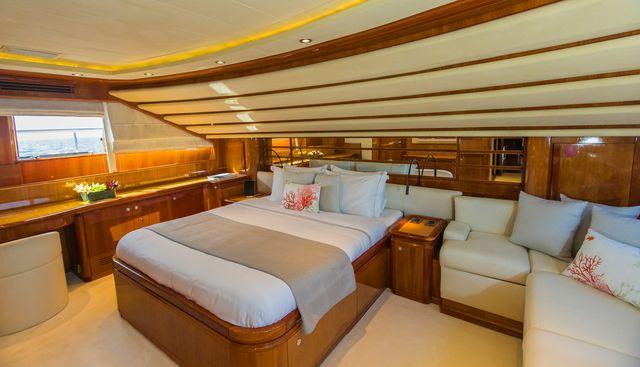 Champagne Seas Charter Yacht - 8