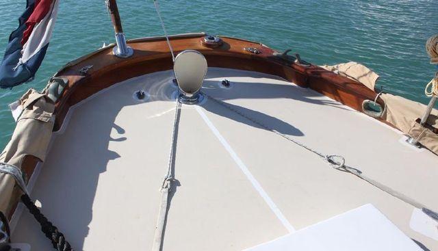 Irondequoit II Charter Yacht - 4