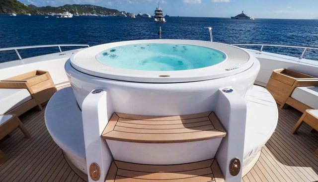 Bon Vivant Charter Yacht - 2