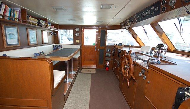 Kin Ship Charter Yacht - 4