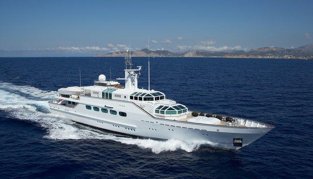 Paraiso Charter Yacht