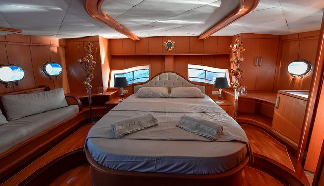Blu Dream Charter Yacht - 4