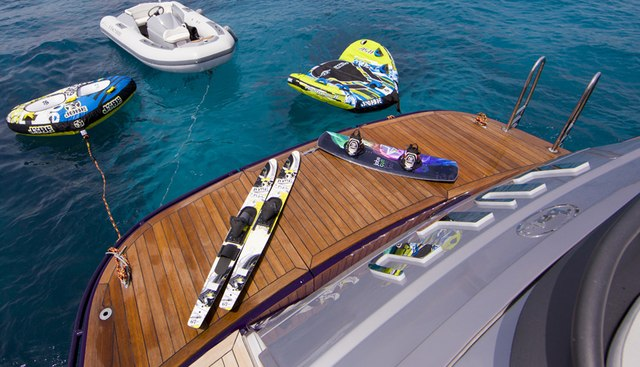 Low Blow Charter Yacht - 4
