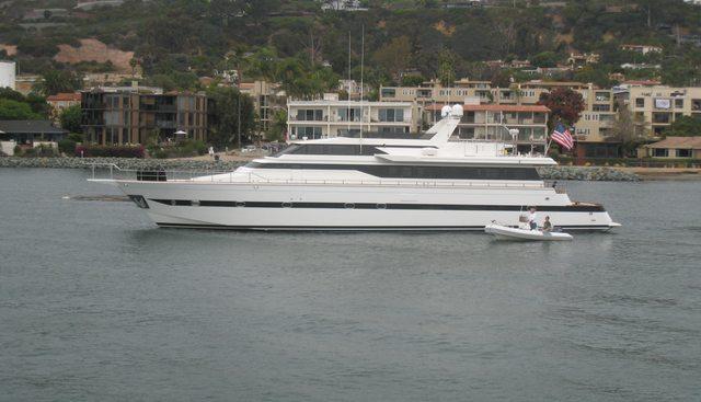 Le Canard Charter Yacht