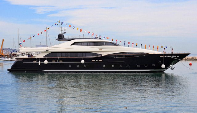 Suegno Charter Yacht