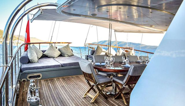 Virtuoso Charter Yacht - 4