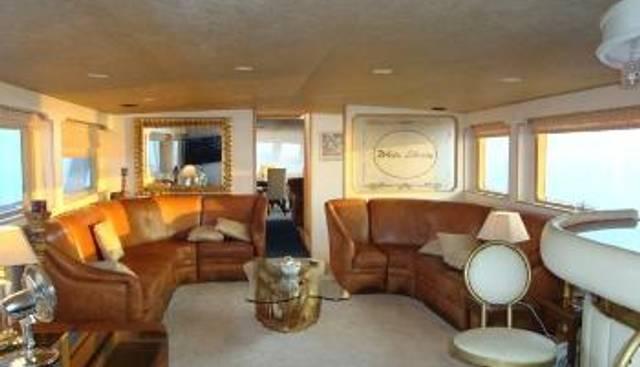 White Liberty Charter Yacht - 4