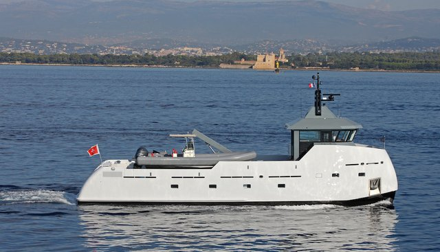 YXT One Charter Yacht