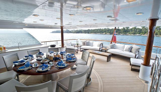La Dea II Charter Yacht - 7