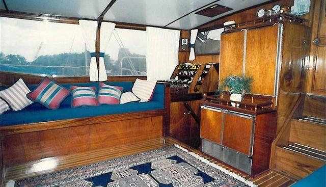 Wireless Charter Yacht - 5