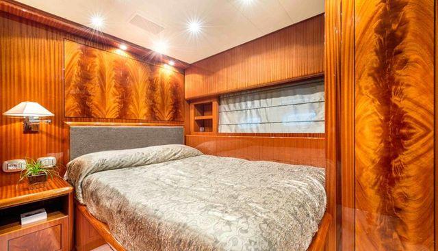 Clarita Charter Yacht - 5