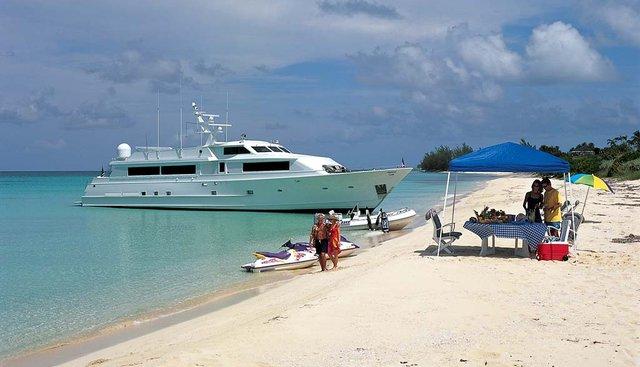 Thunderball Charter Yacht - 3