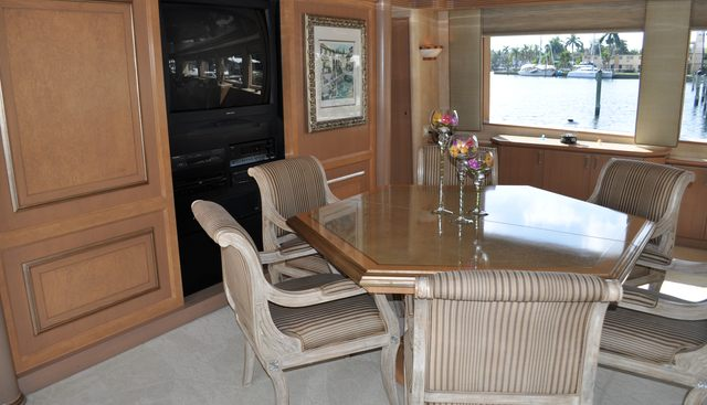 Miss Direction Charter Yacht - 5