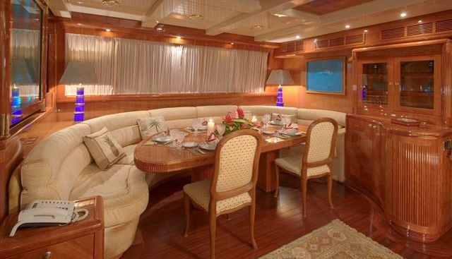 Queen South III Charter Yacht - 4