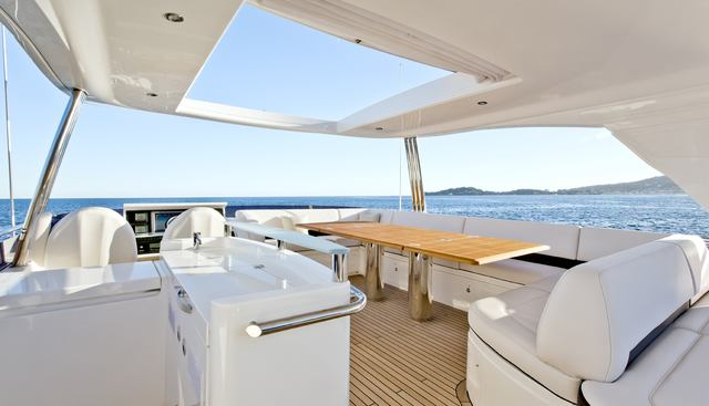 Carte Blanche III Charter Yacht - 6