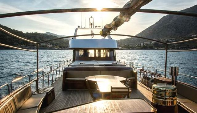 Amanda Charter Yacht - 3