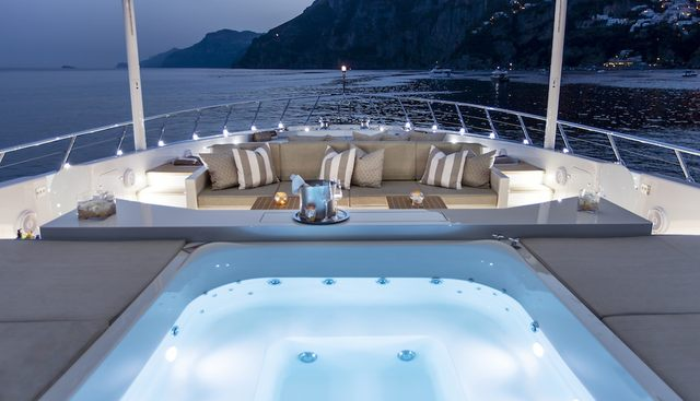 Apricity Charter Yacht - 3