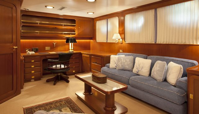 The Aquarius Charter Yacht - 8
