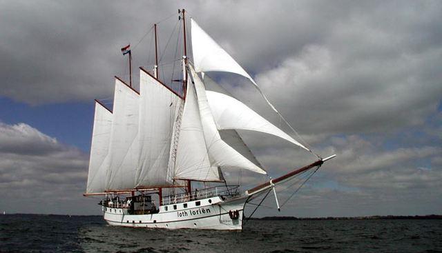 Loth Lorien Charter Yacht