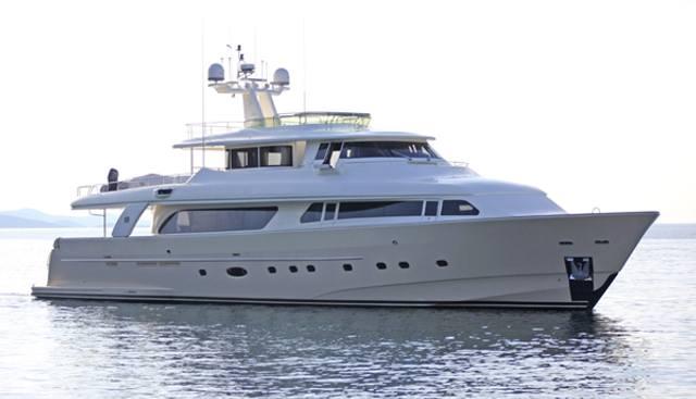 Maluhea Charter Yacht