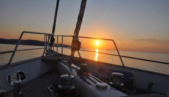 Handem Charter Yacht - 8
