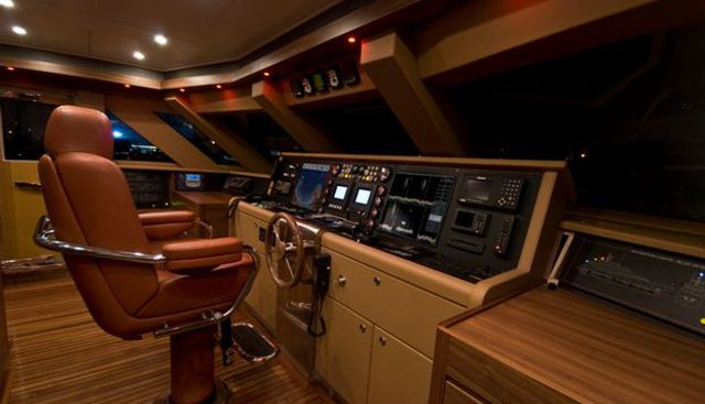 Mr Mouse Charter Yacht - 5