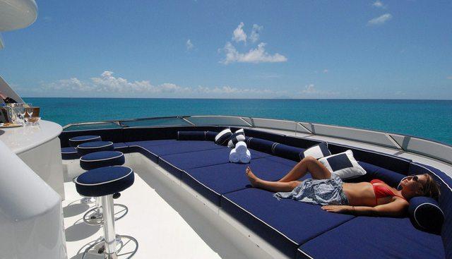 Dona Lola Charter Yacht - 3