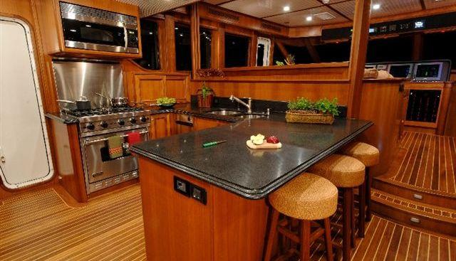 Leanora Charter Yacht - 7