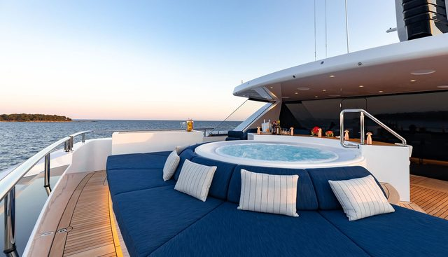 Soaring Charter Yacht - 2