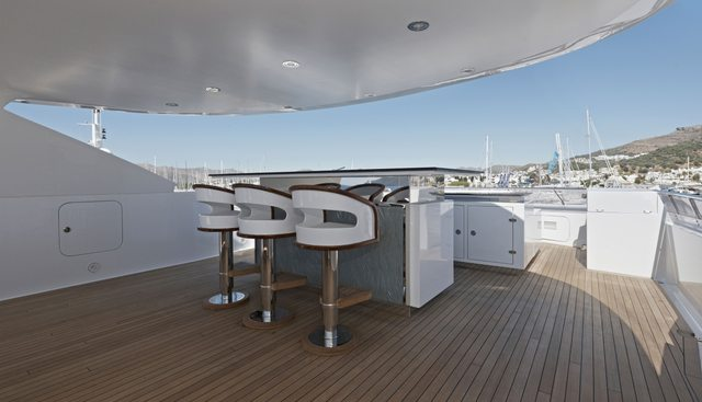 Happy T Charter Yacht - 8