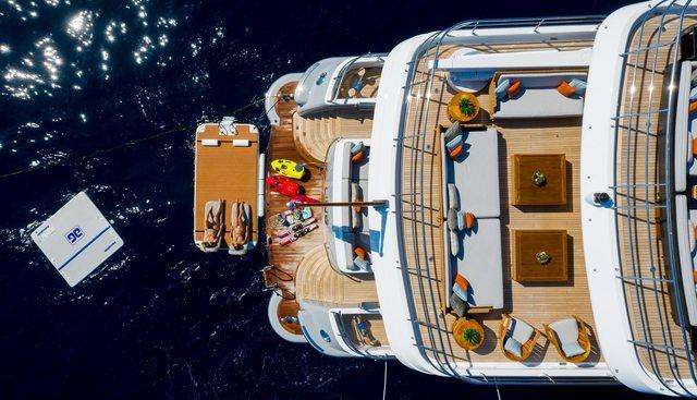 April Charter Yacht - 4