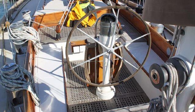 Irondequoit II Charter Yacht - 2