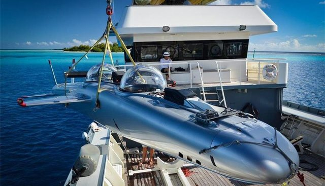 Dr No Charter Yacht - 3