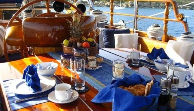 Sweptaway Charter Yacht - 4