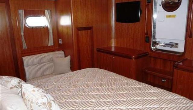 Zsi Zsi Charter Yacht - 5